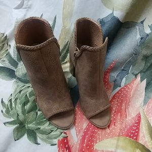 REPORT shoes NWOT